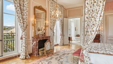 Versailles AD 1.jpg